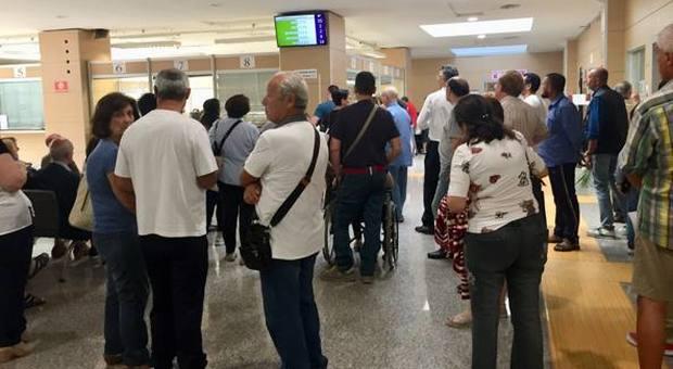 Ufficio Passaporti Roma Nuovo Salario : Roma carte d identità paralisi rinnovi servizio sospeso in