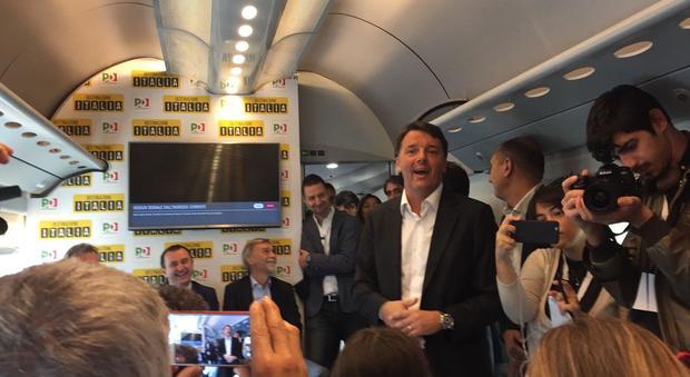 Renzi, inizia il tour in treno e annuncia: prossima legislatura serve nuovo jobs act