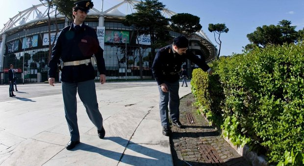 Roma, il Tar: «Via gli ambulanti intorno all'Olimpico durante le partite»