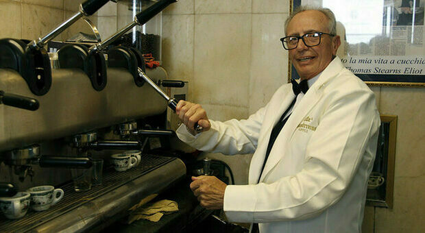 Gambrinus, morto il barista dello storico caffè napoletano: servì il caffè anche a Clinton