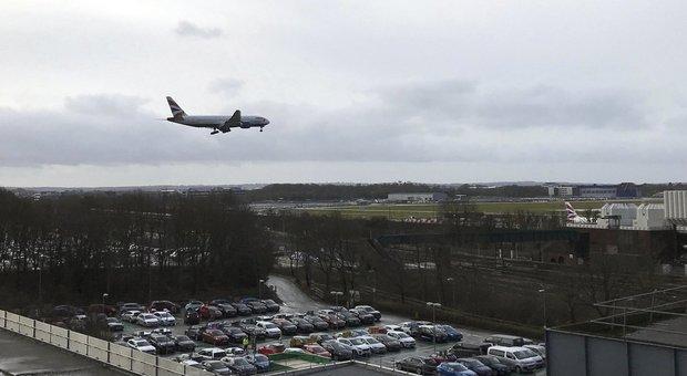 Ancora un drone, voli di nuovo sospesi a Gatwick