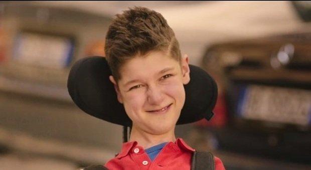 Morto Mirko, il ragazzo protagonista di alcuni pubblicitari con Checco Zalone