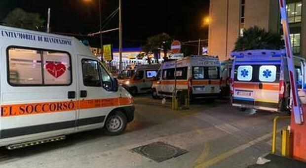 Napoli, infermiera picchiata al Cardarelli da marito e moglie: «Stai trascurando nostra figlia»