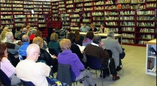 Roma, biblioteche off limits: riaprono solo 12 su 39, con orari ridotti. «Prestiti solo su appuntamento»