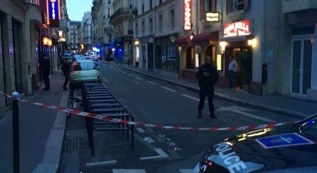 Parigi, l'attentatore era un ceceno. La polizia ha arrestato i genitori