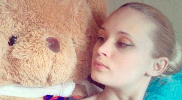 Youtuber ubriaco uccide la fidanzata incinta lasciandola nuda sul balcone e accettando denaro on line
