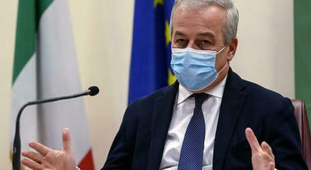 Vaccini, Locatelli: «Servirà la terza dose». Quando andrà fatta: i tempi