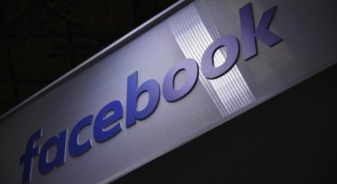 Facebook crolla in borsa: - 7% nelle contrattazioni after hours a Wall Street
