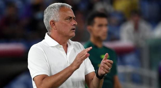Roma, Mourinho inserito nella LMA per le 1000 panchine: «Voglio vincere e rendere il mio club felice»