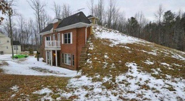 immagine Nel Maryland c'è una casa in stile Hobbit. Quasi indistruttibile