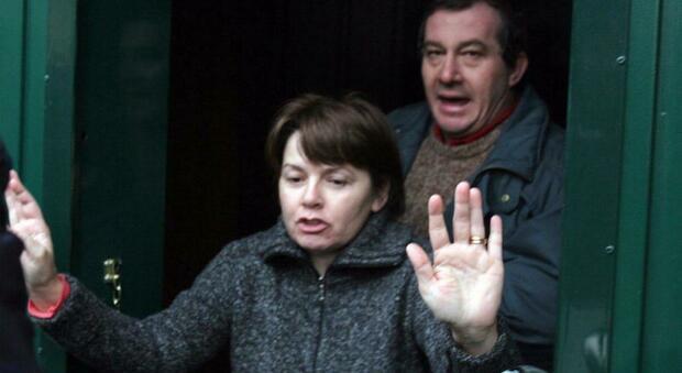 Strage di Erba, per riaprire il caso di Rosa e Olindo le Iene puntano su ex carabiniere congedato dall'Arma e condannato per truffa