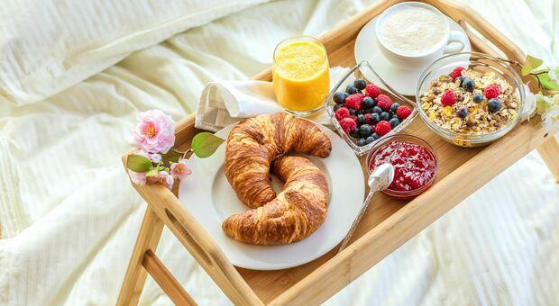 """Prima colazione, per la scienza è il """"pasto della felicità"""". E il 91% degli italiani non ci rinuncia"""
