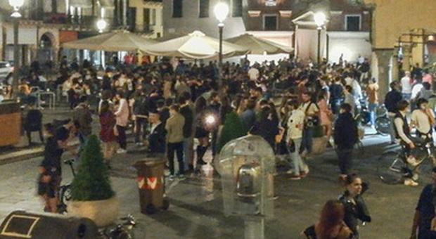 Verona, festa in casa con 11 amici: i vicini chiamano i carabinieri, multe per 5.280 euro