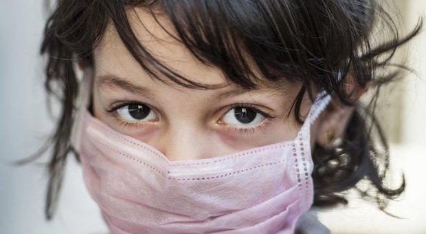 Coronavirus e bambini, la maggioranza incalza Conte: «Sostegno per i genitori e mascherine per i piccoli»