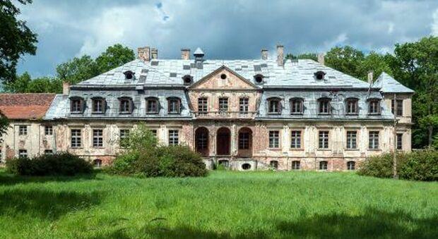Il palazzo di Minkowskie in cui si cerca l'oro nazista