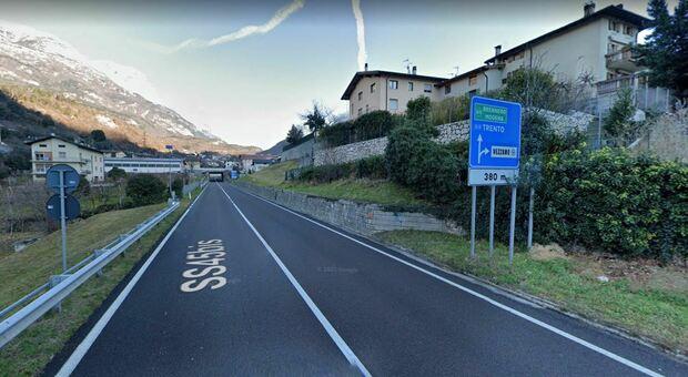 Trento, volontaria della parrocchia aggredita: è caccia all'uomo a Vezzano