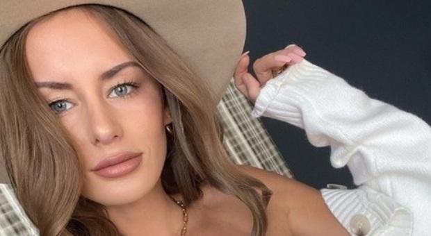 Influencer di 26 anni trovata morta in strada a Houston: giallo sulle cause