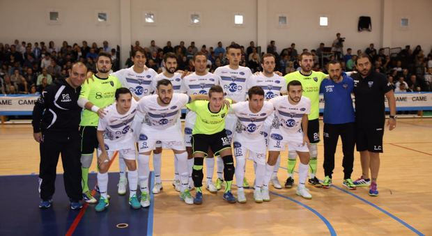 L'Axed Group schierata prima del fischio d'inizio nel match giocato a Dosson, in provincia di Treviso