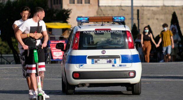 Roma, monopattini senza regole al centro: oltre 150 multati, in gran parte giovani