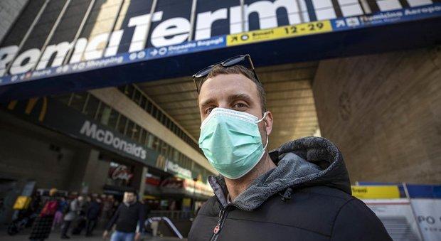 Coronavirus, paura sul treno Roma-Bari: teme il contagio ma era solo un attacco di panico