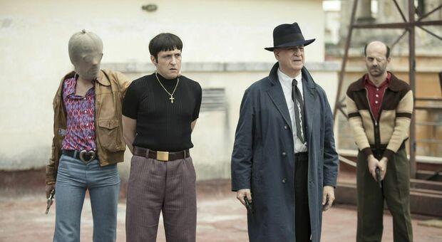 Stasera in tv, venerdì 10 settembre su Rai 3 «5 è il numero perfetto»: curiosità e trama del film con Toni Servillo