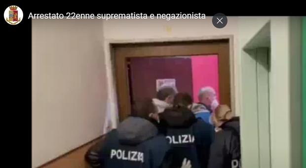Terrorismo: arrestato 22enne suprematista e negazionista, perquisizioni anche a Perugia