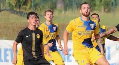 La Viterbese batte 2-1 il Frosinone, Errico e Camilleri regalano la vittoria ai gialloblù