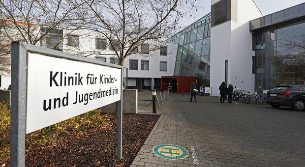 Germania, morfina iniettata a cinque neonati: arrestata una infermiera