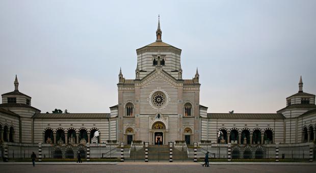 Milano, corsa alla tomba di pregio: acquistata una al Monumentale per un milione di euro