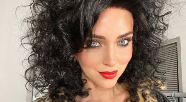 Chiara Ferragni, il nuovo look per il video di Bella Storia con Fedez conquista i fan: «Sei bella anche così»