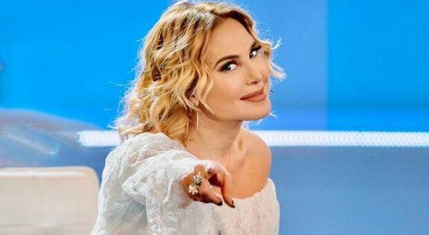 Domenica Live, Barbara D'Urso litiga con Paolo Brosio e stacca il suo microfono: cosa è successo
