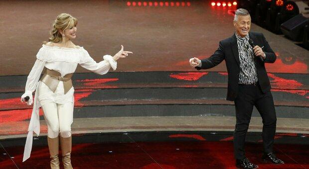 Ballando con le stelle, le anticipazioni della puntata di domani: Milly Carlucci ballerina per una notte con Samuel Peron