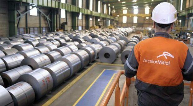 Ex Ilva, firmato accordo tra Arcelor Mittal e Invitalia: che cosa prevede per occupazione e ambiente