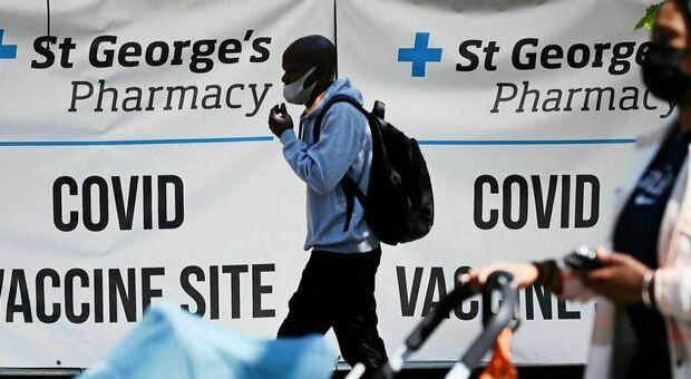 Mascherine obbligatorie in Gran Bretagna per cinque anni, lo prevede la bozza del piano di emergenza del governo