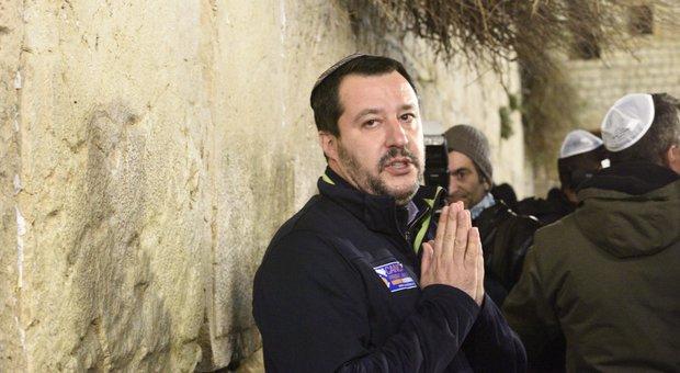 Salvini da Gerusalemme: «Arrestare chi esulta on line per la strage di Strasburgo»