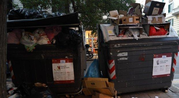 Rifiuti Roma, salta la mini-proroga per gli impianti laziali: immondizia verso l'estero