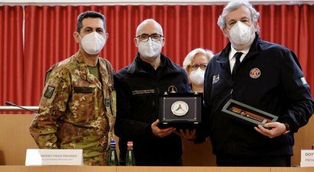 Covid vaccino, Figliuolo a Bari: «In una settimana arriveranno 2,6 milioni di dosi, immorale sottrarle a chi rischia la vita»