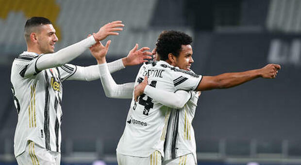 Juventus, Dybala, Arthur e McKennie reintegrati dopo la festa proibita