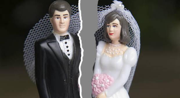 India, il Tribunale concede a una donna il divorzio perché la casa è sprovvista della toilette: è un atto di crudeltà