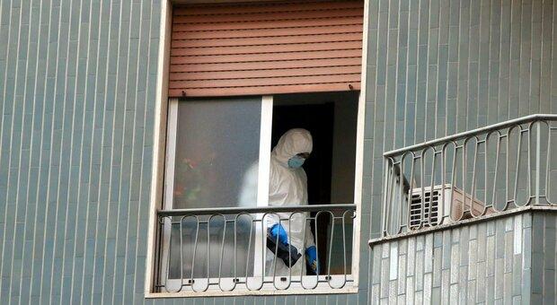 Milano, trans uccisa in casa a coltellate. Corpo scoperto dai pompieri