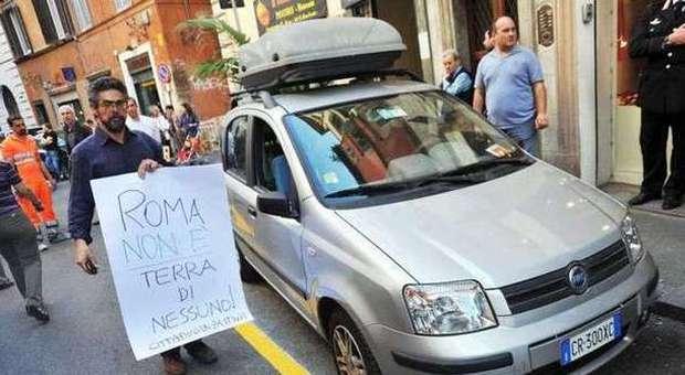 Tensione in via dei Banchi vecchi (foto Caprioli - Toiati)