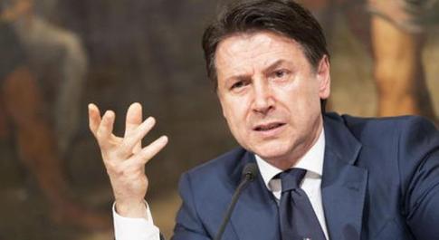Covid-19 Ue, Merkel: pronti a maggiori contributi Ue, ma per garanzie debito serve modifica trattati