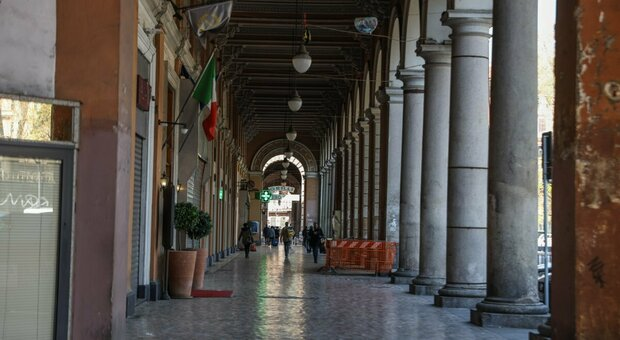 Roma, rivendevano cellulari rubati a Porta Maggiore: arrestati tre marocchini