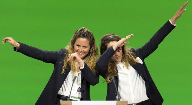 """Olimpiadi, diiristibile dichiarazione d'amore di Michela Moioli e Sofia Goggia per candidatura di Milano-Cortina - Video """"title ="""" Olimpiadi, l'irresistibile dichiarazione d'amore di Michela Moioli e Sofia Goggia per la candidatura di Milano-Cortina - Video """"data-pagespeed-url-hash ="""" 3268174059 """"onload ="""" pagespeed.CriticalImages.checkImageForCriticality (this); """"/> </figure> <p>Le campionesse olimpiche <strong> Michela Moioli </strong>23 anni, medaglia d'oro nello snowboard cross ai Giochi di Pyeongchang 2018, e <strong> Sofia Goggia </strong>27 anni, oro nella discesa libera agli stessi giochi e vincitrice il ceduo delle bocche è liberato dal punto di vista della cooperativa di un traditore nel campo della candidatura di Milano-Cortina in Giochi invernali del 2026. Spigliate, perfezionando la lettura del dialogo, accattivanti e simpatiche. Impossibile non innamorarsi delle loro emozioni per i Giochi, per lo sport, per impegno, per la vite, per giovinezza allegra e saggia allo stesso tempo. <strong> """"Sognare insieme"""" </strong> è lo slogan di questa avventura; schermo) e <strong> Arianna Fontana </strong> (pattinaggio breve brano) salta una volta ancora un podio sia, questa volta, provvisto di microfono. Puoi anche ordinare tutti i campeggi nella lista di importazione del listino prezzi al giorno a Giochi Gagi. Coraggioso. <br /> (prb) </p> <p> IL VIDEO DI RAI1<div class="""