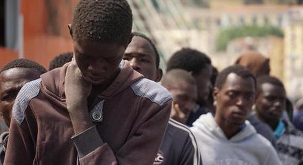 Migranti, arrestati tre aguzzini di un campo di prigionia in Libia. «Ecco come ci torturavano»
