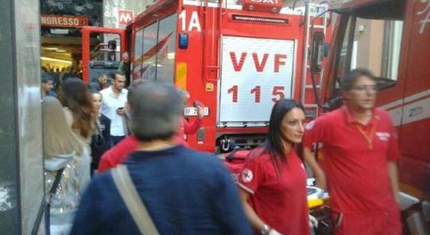 Allarme bomba in piazza di spagna fumo nella metro e - Allarme bomba porta di roma ...