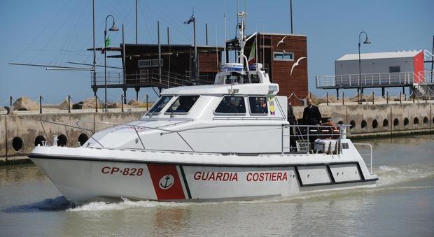 Termoli, due morti in mare: si ribalta una barca da diporto