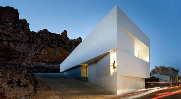 Le case nella roccia quando l 39 architettura si sposa con for Architettura case