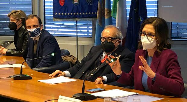 da sinistra, il presidente della Regione Friuli, Massimiliano Fedriga, Giuseppe Bono, ad di Fincantieri e Mariastella Gelmini, ministro degli Affari Regionali
