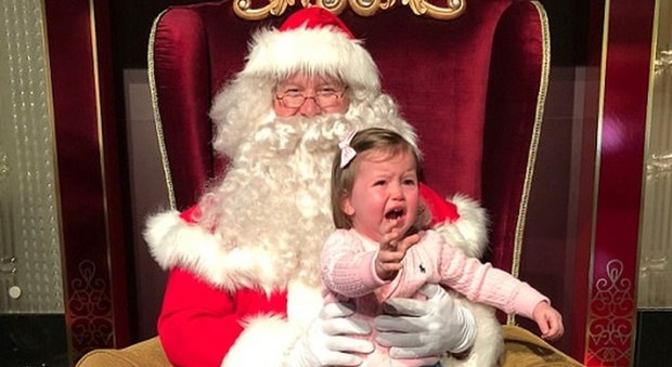 Bambini E Il Natale Immagini.Bambini E Babbo Natale Quando La Foto E Un Disastro